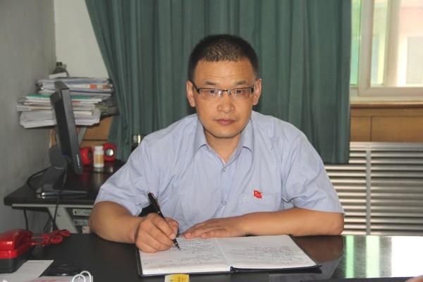 勇于奉献的践行者---陕钢天天直播足球2014-2016年度四优共产党员刘国祥