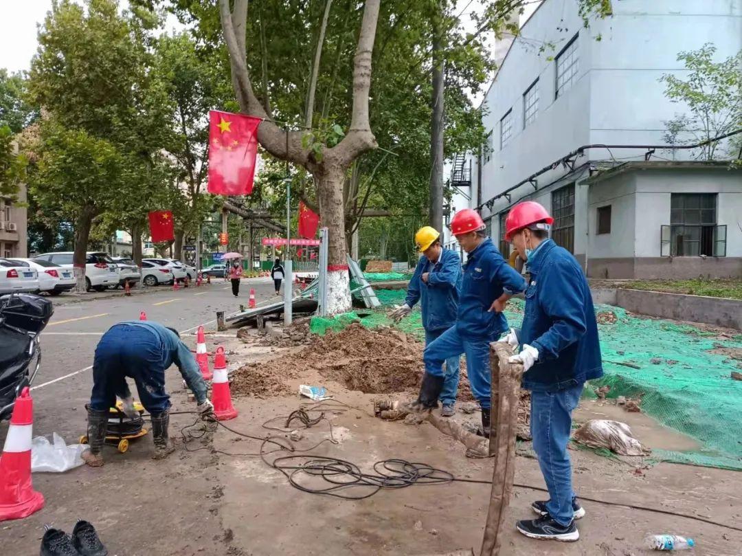 国庆里的一抹中国红